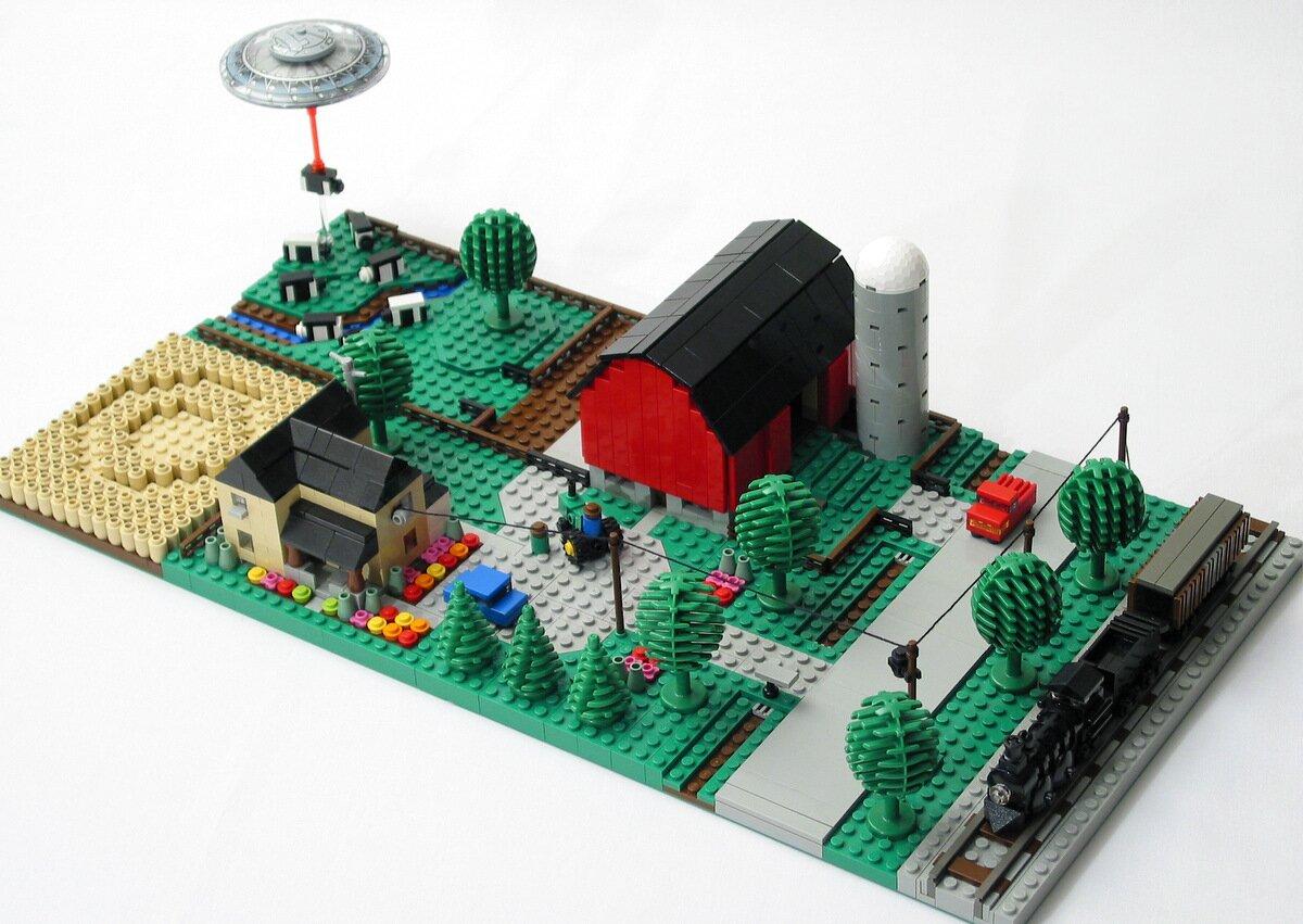 Микро-ферма с паровозом из ЛЕГО